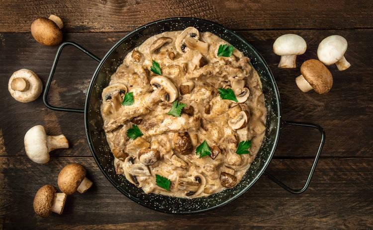 Нежные грибы в томатном соусе (рецепт)