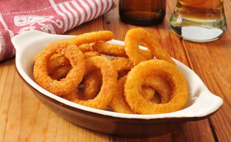 Луковые кольца в кляре на закуску (рецепт)