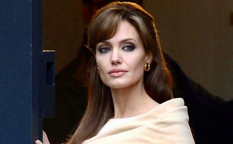 Анджелина Джоли начала активно ходить на свидания