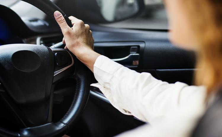 В Украине назвали дату появления электронных водительских прав