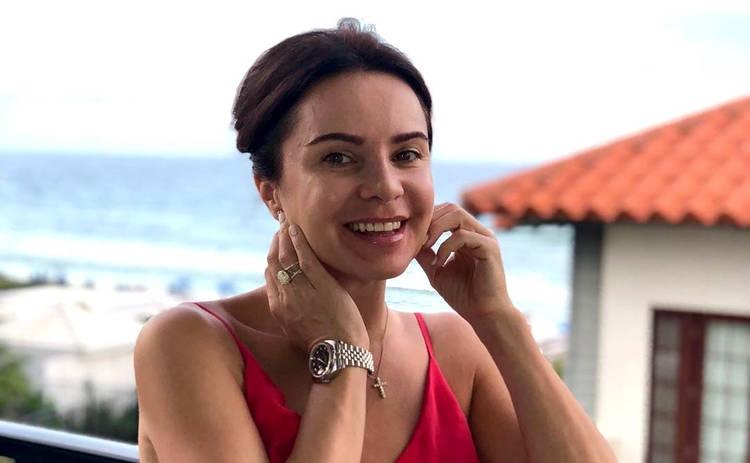 Лилия Подкопаева в компании мужа блистала на красной дорожке спустя 2 месяца после родов