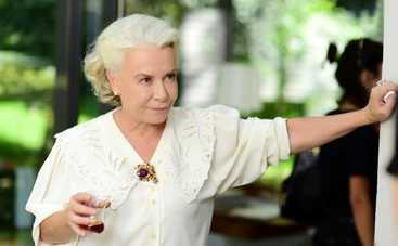 Невеста из Стамбула: смотреть 240 серию онлайн (эфир от 10.12.2019)