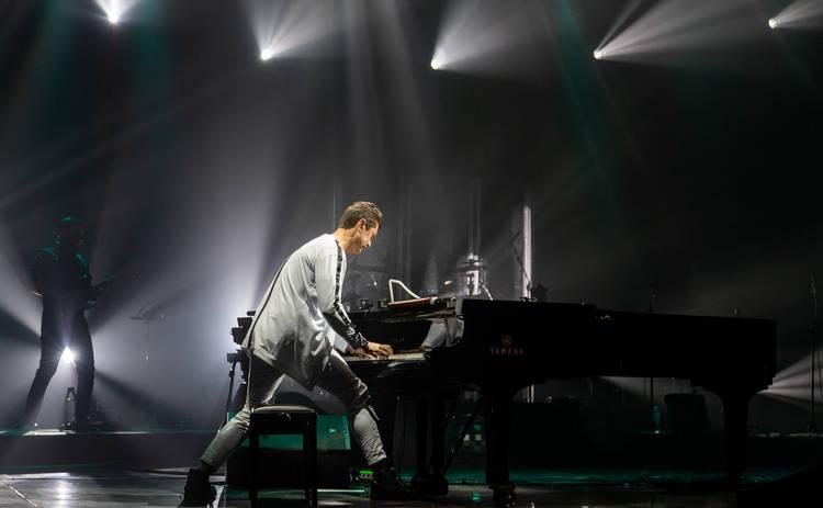 Новые композиции, известные артисты и музыкальная легенда: так Евгений Хмара начал тур по Украине