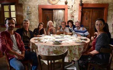 Невеста из Стамбула: смотреть 246 серию онлайн (эфир от 13.12.2019)