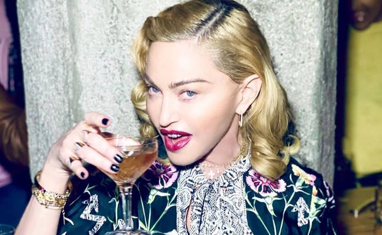 Мадонна закрутила роман с танцором, который годится ей во внуки