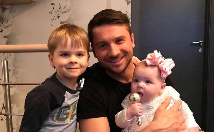 Сергей Лазарев ответил на вопрос, кто родил ему сына и дочь