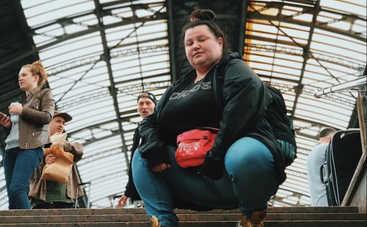«Фруктовая бомба»: Alyona Alyona взбудоражила Сеть откровенным фото