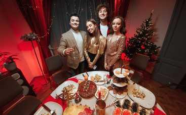 Известные украинские блогеры представили новогодний хит