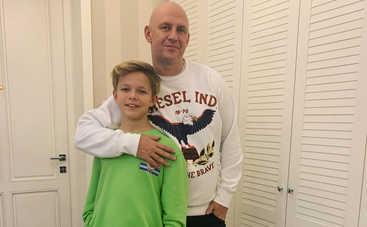 К Новому году готовы: Потап с сыном умилили Сеть совместным видео