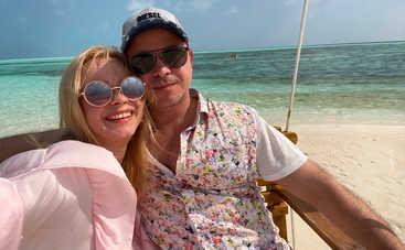 Лилия Ребрик похвасталась фигурой в купальнике на отдыхе на Мальдивах