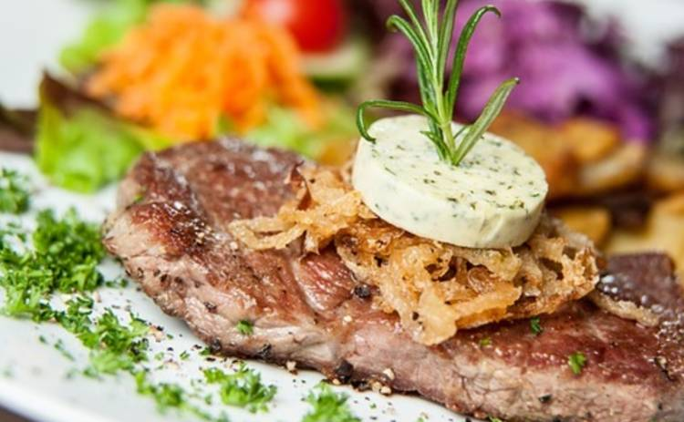 Мясо по-французски: 4 рецепта любимого блюда