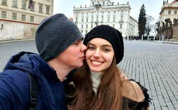 Дмитрий Комаров признался, что добавляет огня в его отношениях с женой