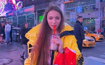Мнения разделились: Дочь Оли Поляковой в бикини озадачила Сеть откровенным фото