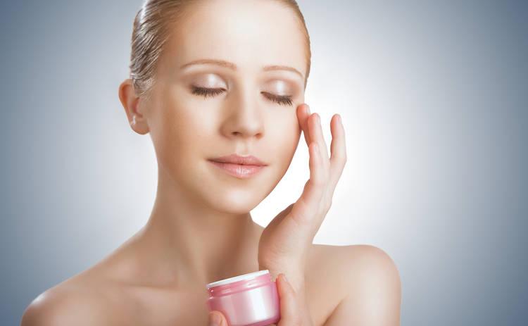 Ухаживаем за кожей вокруг глаз: ТОП-3 важных совета
