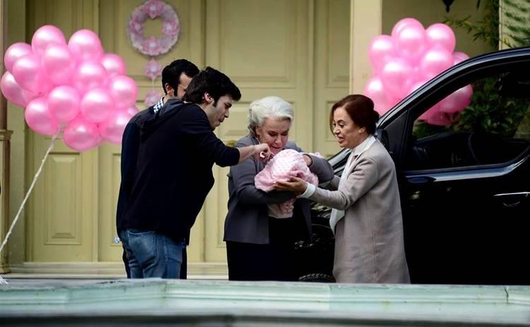 Невеста из Стамбула: смотреть 298 серию онлайн (эфир от 30.01.2020)