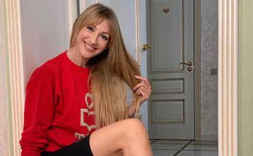 Ничего себе! На шоу к Лесе Никитюк пришла блонда с 13-м размером груди