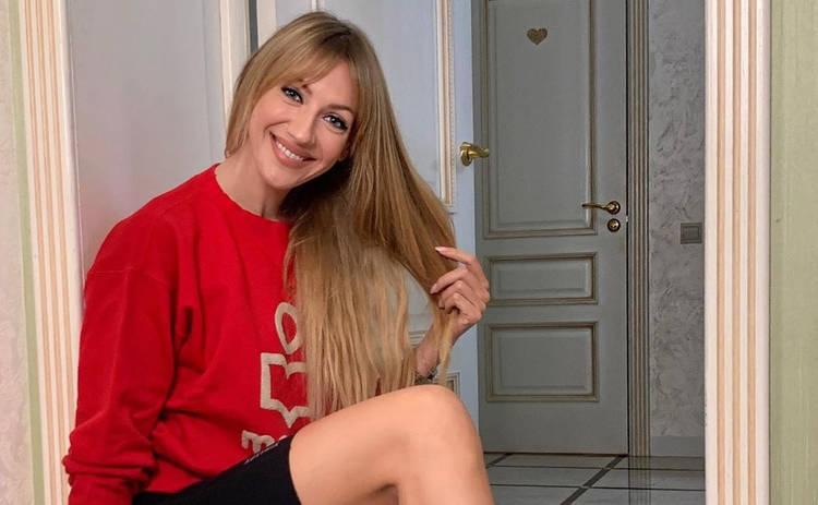 На шоу к Лесе Никитюк пришла блонда с 13-м размером груди