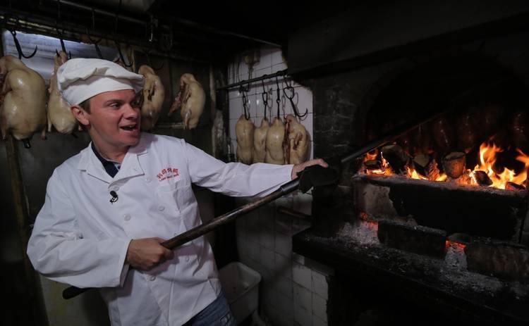 Мир наизнанку: Дмитрий Комаров о кулинарных экспериментах в Китае: «Назвать их мерзкими не могу»