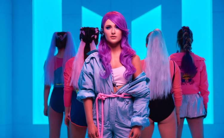 Певица и ведущая Marietta представила новый клип «Як не крути»