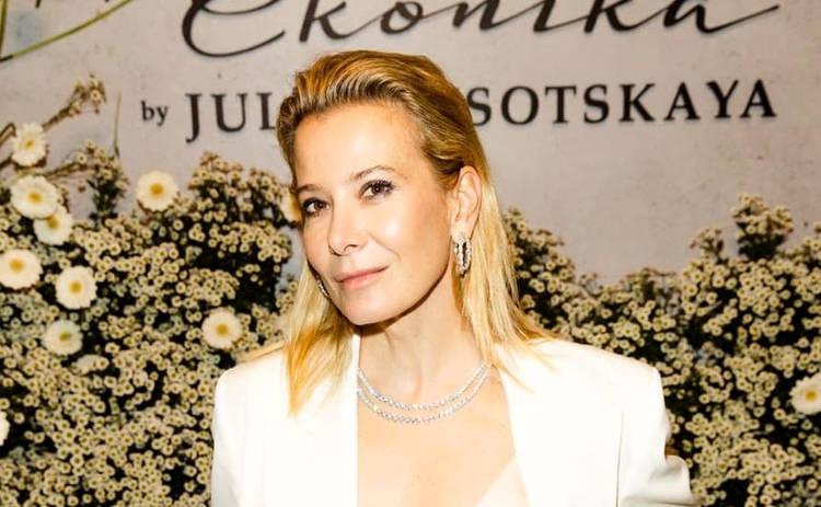 17-летний сын Юлии Высоцкой произвел фурор на модном показе: Вырос красавцем!