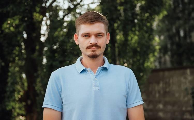 Актер сериала «Швидка» Илья Прокопив рассказал, что подарить мужчине на День влюбленных