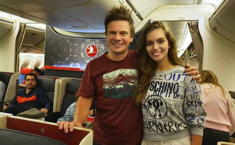Дмитрий Комаров устроил жене путешествие-сюрприз: только в аэропорту узнала