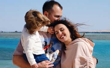 «Не сразу обрадовался»: Джамала о реакции мужа на ее вторую беременность