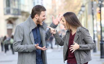 Психологи рассказали о жестах несчастливого в браке мужчины