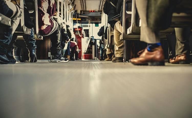 В Украине хотят запретить громко слушать музыку в общественном транспорте