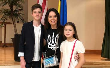 «Отдала тем, кому это нужно»: 13-летняя дочь Лилии Подкопаевой помогла благотворительному фонду