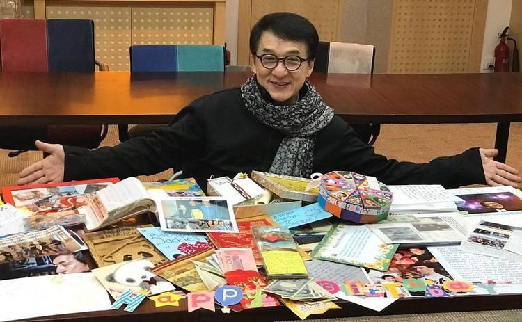 Джеки Чан о заражении коронавирусом: «Спасибо каждому за заботу»