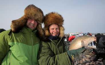 Мир наизнанку-11: как Дмитрий Комаров купит рыбу своей мечты и будет выбираться из ледяного плена