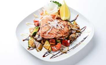 Рыба с овощами, запеченная в пергаменте (рецепт)
