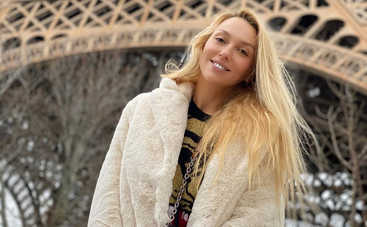 Вокалистка группы Yuko развлекала дочку Оли Поляковой