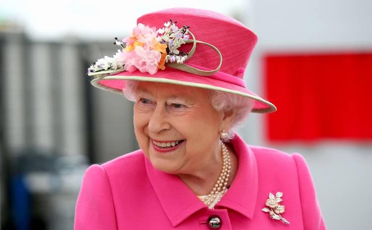 Королева Елизавета II выехала из Букингемского дворца из-за коронавируса