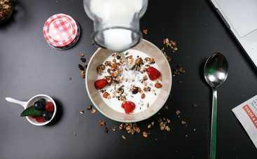 Творожный завтрак с йогуртом за 10 минут (рецепт)