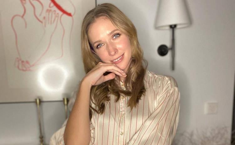 Катя Осадчая показала, как эффектно одевается на карантине: не совсем домашний