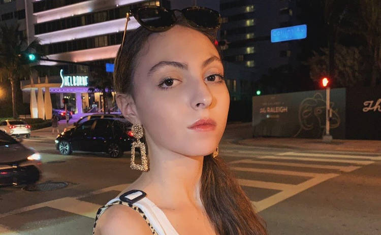 15-летняя дочь Оли Поляковой предстала в смелом образе: женственно и сексуально