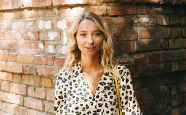 Молодая возлюбленная Виктора Павлика рассказала о пластической операции и занятиях на карантине