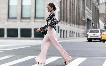 Модный комплект: с чем носить широкие брюки в 2020 году