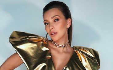 Регину Тодоренко раскритиковали за несовершенную фигуру в неудачном наряде