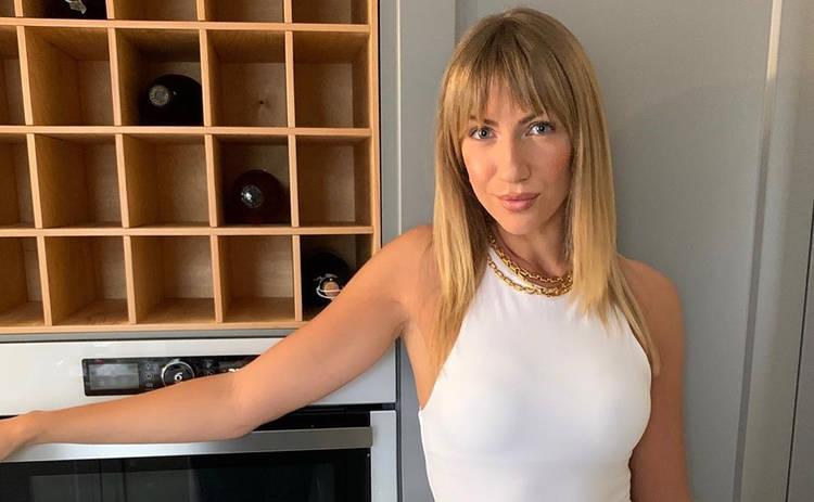 Звезда Лиги смеха нырнул лицом в грудь Леси Никитюк: Хорошие у нее формы