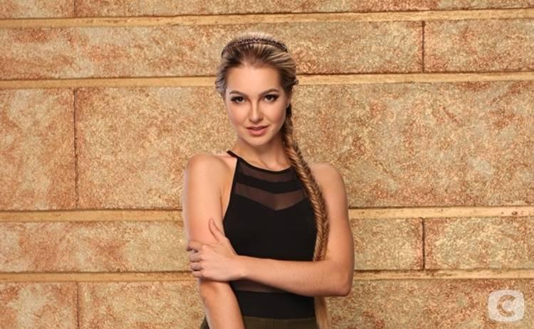 Участница шоу Холостяк-8 встречается с российской порноактрисой