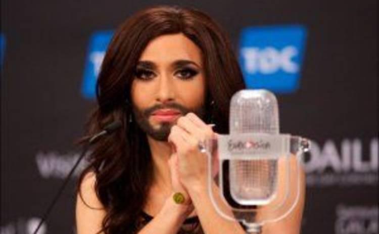 Австрийская травести-певица Кончита Вурст снова сменила пол