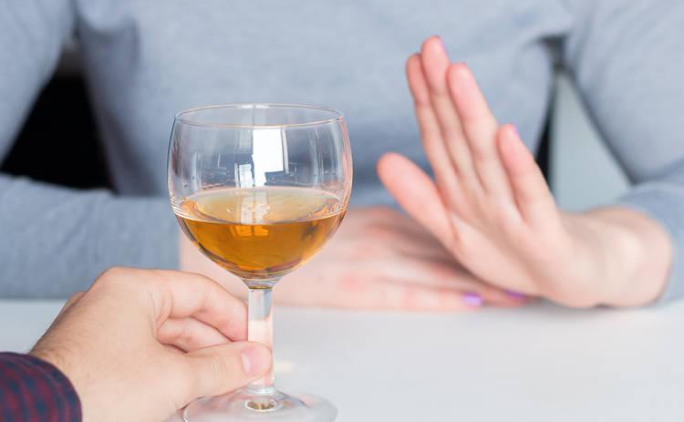 ТОП-5 причин отказаться от алкоголя из-за коронавируса