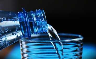 Почему ребенку нужна вода и витамины?