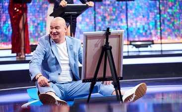 Евгений Кошевой показал, как качает пресс с помощью холста и маркера