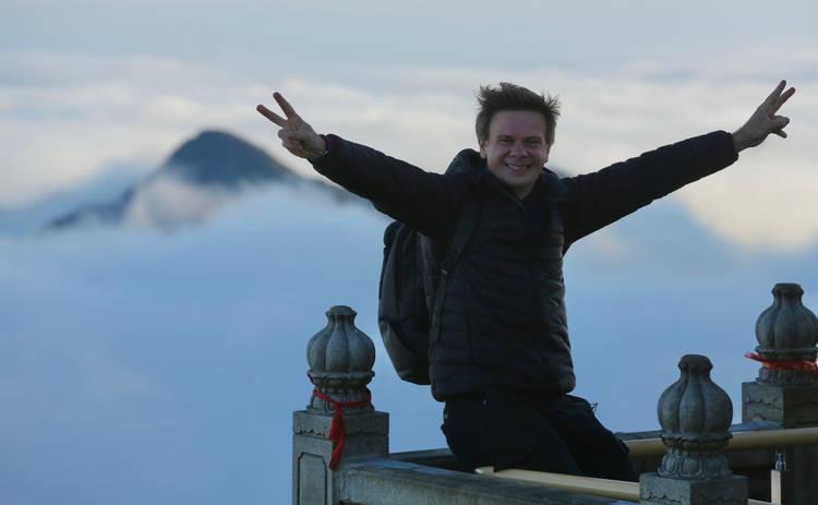 Мир наизнанку: Дмитрий Комаров разгадает секреты китайских гор и узнает, когда явится Будда Будущего