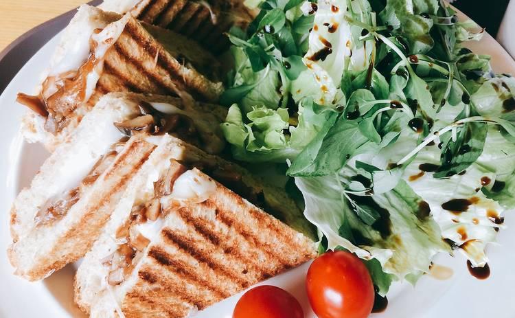 Крок Мадам с соусом бешамель на завтрак (рецепт)