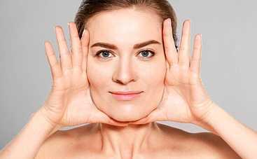 Молодеем на глазах: эффективные упражнения из йоги для лица